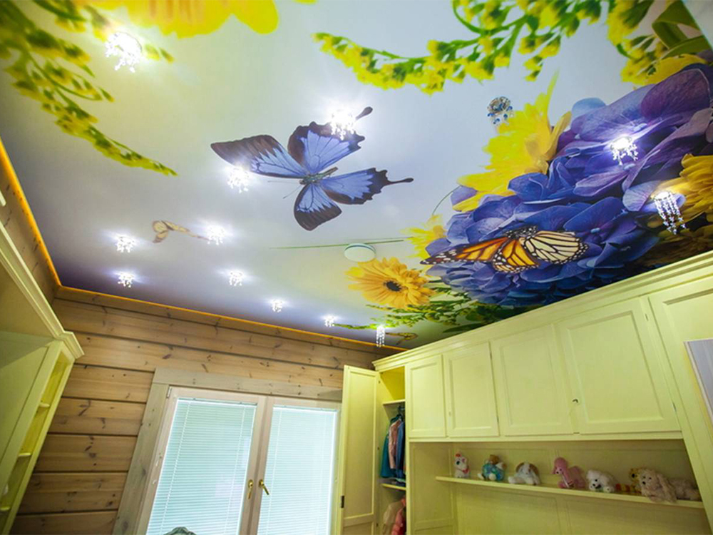 Дизайн потолка с фотопечатью фото